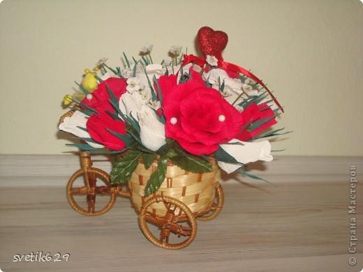Едет муха на базар цветочки продавать))) Сделала в подарок для знакомой. фото 2