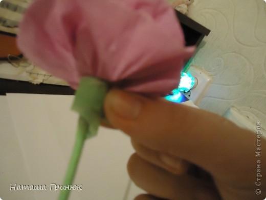 """Мастер класс """"Роза из гофрированой бумаги"""" фото 16"""