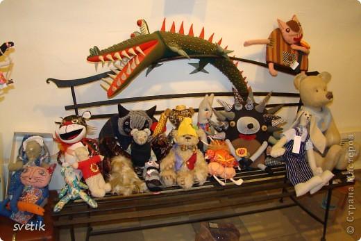 """Выбирая куда пойти с детьми, нашли адрес этой галереи. В комментария было написано:""""Если  мне тоскливо или плохое настроение, я всегда прихожу в эту галерею. Здесь можно не только посмотреть, но и купить куклы""""  Вот и мы отправились сюда, после очередного музея...  фото 11"""