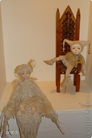 """Выбирая куда пойти с детьми, нашли адрес этой галереи. В комментария было написано:""""Если  мне тоскливо или плохое настроение, я всегда прихожу в эту галерею. Здесь можно не только посмотреть, но и купить куклы""""  Вот и мы отправились сюда, после очередного музея...  фото 17"""