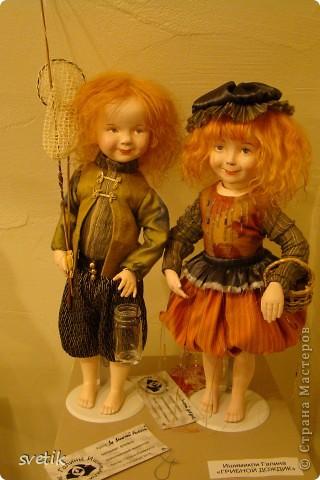 """Выбирая куда пойти с детьми, нашли адрес этой галереи. В комментария было написано:""""Если  мне тоскливо или плохое настроение, я всегда прихожу в эту галерею. Здесь можно не только посмотреть, но и купить куклы""""  Вот и мы отправились сюда, после очередного музея...  фото 31"""