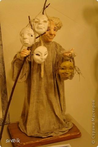 """Выбирая куда пойти с детьми, нашли адрес этой галереи. В комментария было написано:""""Если  мне тоскливо или плохое настроение, я всегда прихожу в эту галерею. Здесь можно не только посмотреть, но и купить куклы""""  Вот и мы отправились сюда, после очередного музея...  фото 58"""