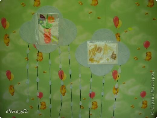 Вот такая у нас выставка сыночкиных работ у него в комнате. фото 1