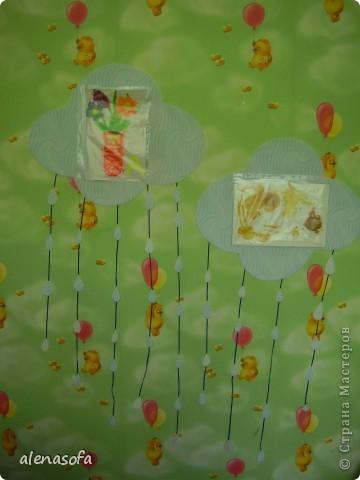 Вот такая у нас выставка сыночкиных работ у него в комнате. фото 2