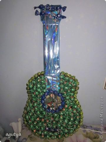 Моя первая крупная работа из конфет) Подарок братику на День Рождения, 13 лет. фото 1