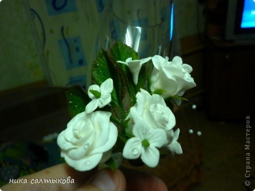 Здравствуйте, мастерицы, а я снова с бокалами. Цветы из самозатвердевающей пластики Hearti, а листва ХФ.  фото 3
