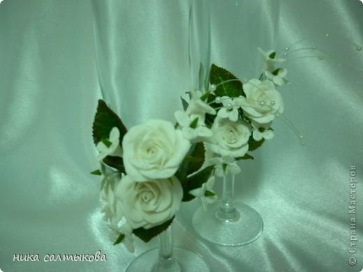 Здравствуйте, мастерицы, а я снова с бокалами. Цветы из самозатвердевающей пластики Hearti, а листва ХФ.  фото 2
