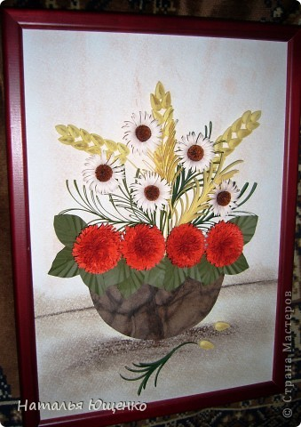 Еще один подарок на день рождения. Хотелось сделать очень большой объемный букет, но к сожалению, рамки подходящей не нашлось, поэтому из заготовленных цветочков в итоге получилось несколько работ.  фото 2