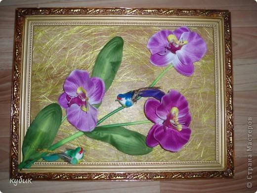 вот такие панно или картины я сделала по маминой просьбе :))))) Основу купила в цветочном магазине(что то типа сизаля только в рулоне), цветы из ткани, птички, все собрала в такую композицию фото 1