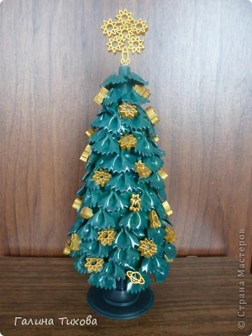 Проявив немного фантазии, можно сделать к Новому году вот такую ёлочку из фигурных макарон. фото 1