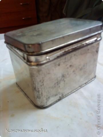 Вот такая баночка из под чая очень старенькая фото 1