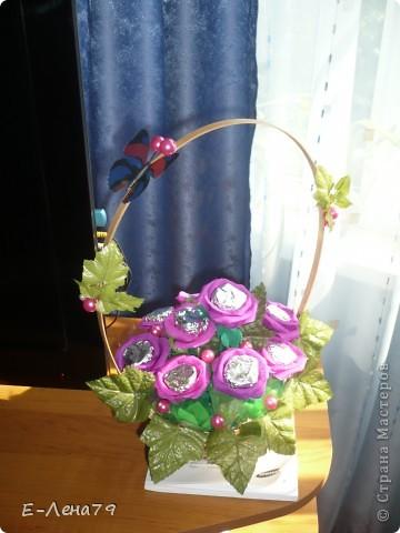 Вот такой букетик с конфетами впервые сделала на день рождения коллеги. фото 1