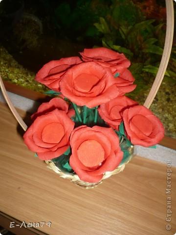 Вот такой букетик с конфетами впервые сделала на день рождения коллеги. фото 4