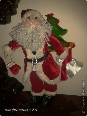 Санта сшит как Дед Мороз.  фото 1