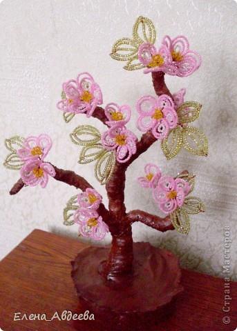 весеннее дерево с розовыми цветочками  фото 1