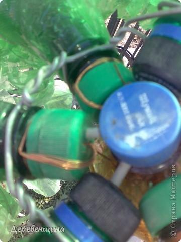 Начинаем делать пальму. Заготовим бутылки. Нужно срезать этикетки, страховочное кольцо от крышки. И обязательно вымыть их!!!  фото 15