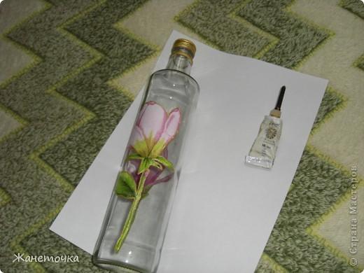 Вот наконец-то представился случай и я продекорировала обычную бутылочку и как обещала все зафотографировала. Вот какой получился МК. фото 9