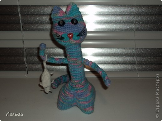 Кошечка-модница с ридикюлем(это отдельная игрушка-мышка, только хвостик в виде петли, чтобы надевался на лапку кошки). фото 1