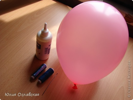 Если я возьму синий шарик, то пчелы подумают , что это маленькая тучка и ничего не заметят. Пух, а они не заметят под шариком тебя?... фото 3