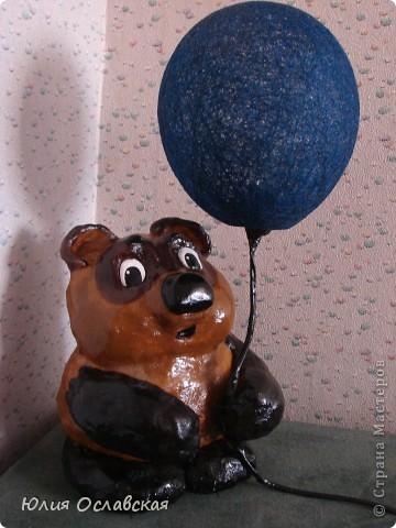 Если я возьму синий шарик, то пчелы подумают , что это маленькая тучка и ничего не заметят. Пух, а они не заметят под шариком тебя?... фото 1