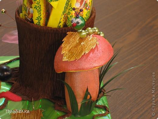 На день рождения дочери(6 лет) всей остальной семьёй сделали такого Ёжика с конфетами. С ним она сегодня ушла в дет.сад. фото 5