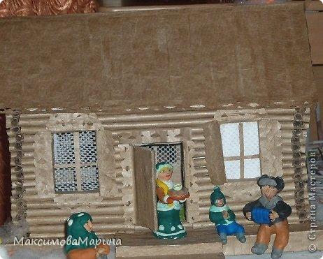 Ну а это жильцы домика, справляют Масленицу.  Получились не очень. ( Не судите музыканта он играет как умеет) фото 1