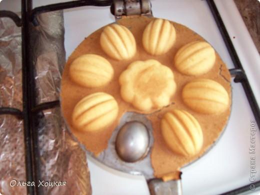 """Моё любимое печенье """"Орешки"""". Пару лет назад купила эту формочку и занялась поисками теста. Рецептов есть несколько и перепробовав их, остановилась на этом. Орешки я делаю с заварным кремом. фото 9"""
