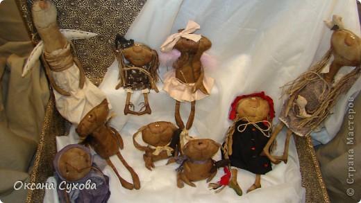 Приглашаю всех на выставку кукол, которая проходит на Тишинке в г. Москве!!!!! А кто не может лично посетить эту интересную  выставку, я хочу предоставить такую возможность, заглянув на неё при помощи моего фотоаппарата..... Приятного просмотра!!! фото 12