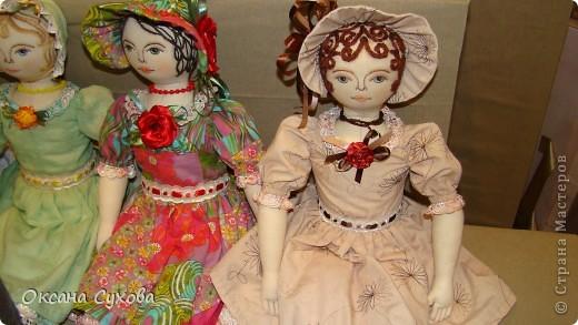 Приглашаю всех на выставку кукол, которая проходит на Тишинке в г. Москве!!!!! А кто не может лично посетить эту интересную  выставку, я хочу предоставить такую возможность, заглянув на неё при помощи моего фотоаппарата..... Приятного просмотра!!! фото 13