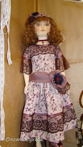 Приглашаю всех на выставку кукол, которая проходит на Тишинке в г. Москве!!!!! А кто не может лично посетить эту интересную  выставку, я хочу предоставить такую возможность, заглянув на неё при помощи моего фотоаппарата..... Приятного просмотра!!! фото 16