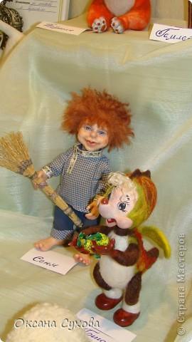 Приглашаю всех на выставку кукол, которая проходит на Тишинке в г. Москве!!!!! А кто не может лично посетить эту интересную  выставку, я хочу предоставить такую возможность, заглянув на неё при помощи моего фотоаппарата..... Приятного просмотра!!! фото 22