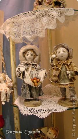 Приглашаю всех на выставку кукол, которая проходит на Тишинке в г. Москве!!!!! А кто не может лично посетить эту интересную  выставку, я хочу предоставить такую возможность, заглянув на неё при помощи моего фотоаппарата..... Приятного просмотра!!! фото 30