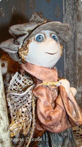 Приглашаю всех на выставку кукол, которая проходит на Тишинке в г. Москве!!!!! А кто не может лично посетить эту интересную  выставку, я хочу предоставить такую возможность, заглянув на неё при помощи моего фотоаппарата..... Приятного просмотра!!! фото 32