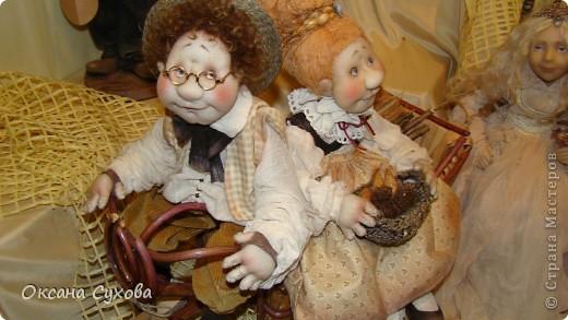 Приглашаю всех на выставку кукол, которая проходит на Тишинке в г. Москве!!!!! А кто не может лично посетить эту интересную  выставку, я хочу предоставить такую возможность, заглянув на неё при помощи моего фотоаппарата..... Приятного просмотра!!! фото 34