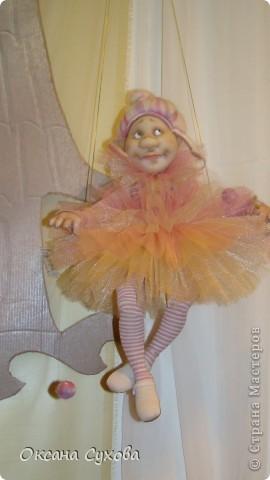 Приглашаю всех на выставку кукол, которая проходит на Тишинке в г. Москве!!!!! А кто не может лично посетить эту интересную  выставку, я хочу предоставить такую возможность, заглянув на неё при помощи моего фотоаппарата..... Приятного просмотра!!! фото 41