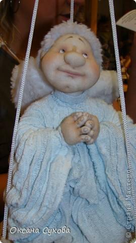 Приглашаю всех на выставку кукол, которая проходит на Тишинке в г. Москве!!!!! А кто не может лично посетить эту интересную  выставку, я хочу предоставить такую возможность, заглянув на неё при помощи моего фотоаппарата..... Приятного просмотра!!! фото 42
