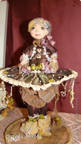 Приглашаю всех на выставку кукол, которая проходит на Тишинке в г. Москве!!!!! А кто не может лично посетить эту интересную  выставку, я хочу предоставить такую возможность, заглянув на неё при помощи моего фотоаппарата..... Приятного просмотра!!! фото 58
