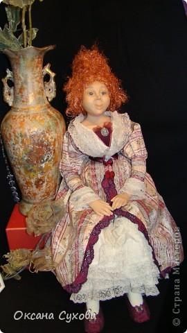 Приглашаю всех на выставку кукол, которая проходит на Тишинке в г. Москве!!!!! А кто не может лично посетить эту интересную  выставку, я хочу предоставить такую возможность, заглянув на неё при помощи моего фотоаппарата..... Приятного просмотра!!! фото 63
