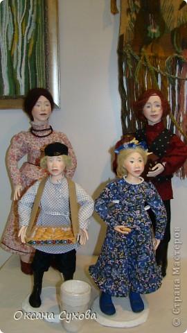 Приглашаю всех на выставку кукол, которая проходит на Тишинке в г. Москве!!!!! А кто не может лично посетить эту интересную  выставку, я хочу предоставить такую возможность, заглянув на неё при помощи моего фотоаппарата..... Приятного просмотра!!! фото 67