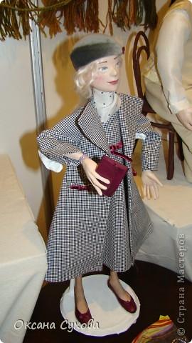 Приглашаю всех на выставку кукол, которая проходит на Тишинке в г. Москве!!!!! А кто не может лично посетить эту интересную  выставку, я хочу предоставить такую возможность, заглянув на неё при помощи моего фотоаппарата..... Приятного просмотра!!! фото 68