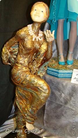 Приглашаю всех на выставку кукол, которая проходит на Тишинке в г. Москве!!!!! А кто не может лично посетить эту интересную  выставку, я хочу предоставить такую возможность, заглянув на неё при помощи моего фотоаппарата..... Приятного просмотра!!! фото 77