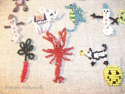 Хочу поделиться схемами плетения забавных фигурок. Подобные вещицы очень любят плести мои ученики фото 3