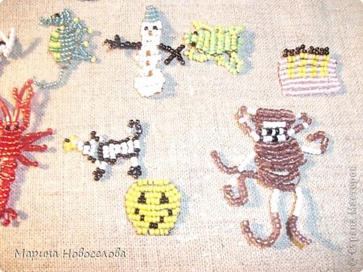 Хочу поделиться схемами плетения забавных фигурок. Подобные вещицы очень любят плести мои ученики фото 4