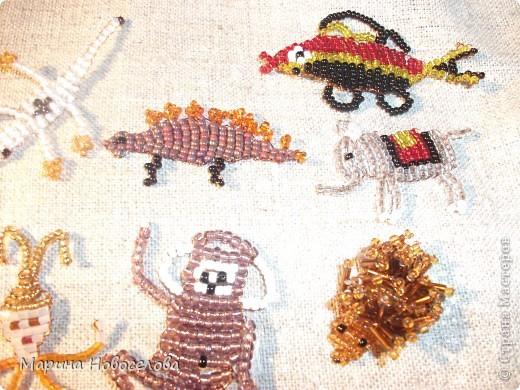 Хочу поделиться схемами плетения забавных фигурок. Подобные вещицы очень любят плести мои ученики фото 8