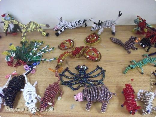 Хочу поделиться схемами плетения забавных фигурок. Подобные вещицы очень любят плести мои ученики фото 40