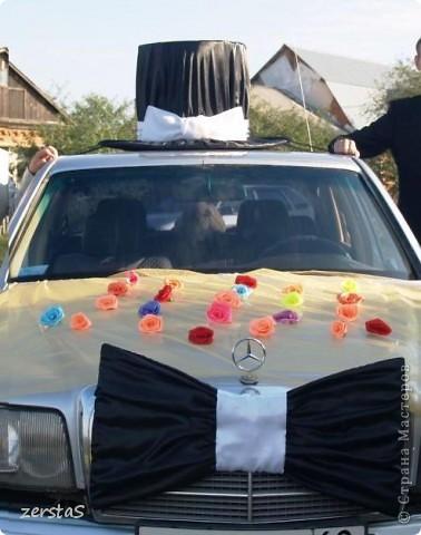 К свадьбе все делали своими руками. В благодарность мастерам и мастерицам, за то, что они делятся своим умением с нами, неумехами, выкладываю некоторые свадебные поделки. Подушечка-Шляпка, получилась очень нежная и воздушная.  фото 7