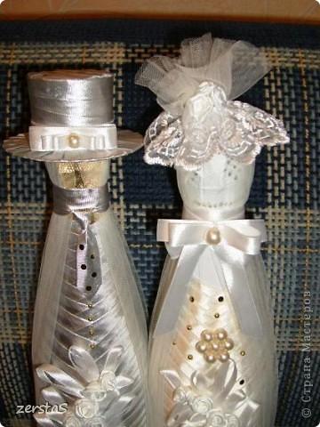 К свадьбе все делали своими руками. В благодарность мастерам и мастерицам, за то, что они делятся своим умением с нами, неумехами, выкладываю некоторые свадебные поделки. Подушечка-Шляпка, получилась очень нежная и воздушная.  фото 14