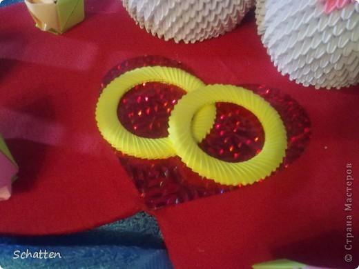 Попросили сделать именно лебедей, именно модульное оригами. Где-то кто-то увидел и, соответственно, родилась идея, я только воплоститель желаний и повторитель автора. фото 3