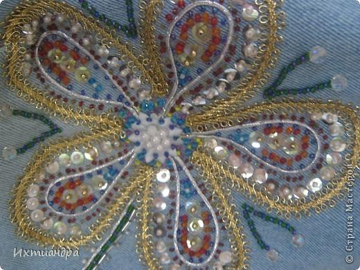 Летняя сумочка из старых джинсов. Рыбки украшены бисером. фото 16