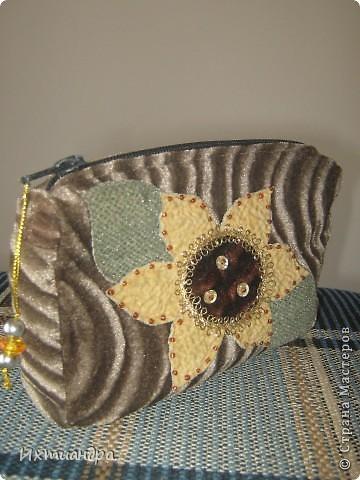 Летняя сумочка из старых джинсов. Рыбки украшены бисером. фото 25
